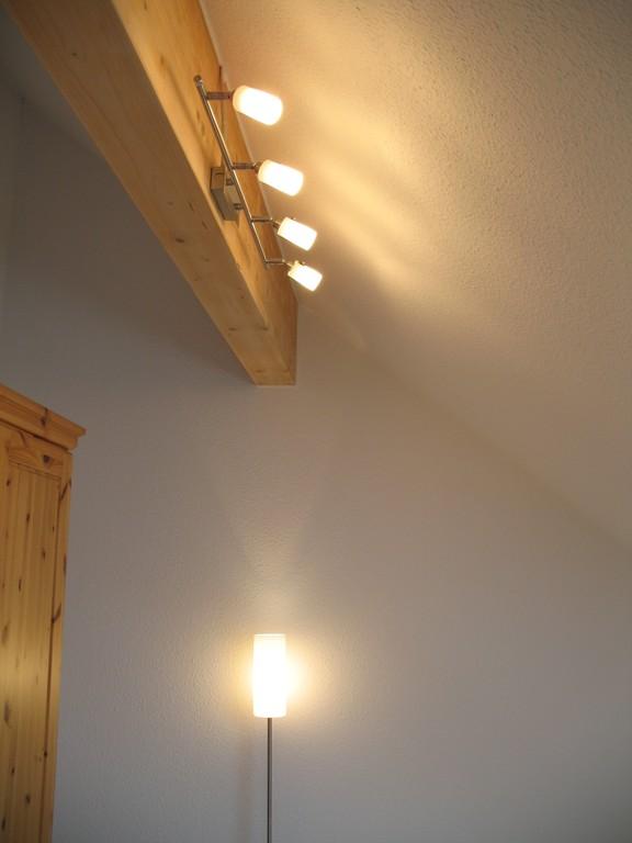 lampe holzbalken finest lampe holzbalken with lampe. Black Bedroom Furniture Sets. Home Design Ideas